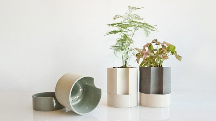 self-watering-plant-pot