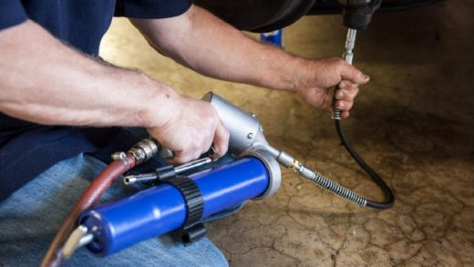 Grease Gun: The Basic Lubricating Tool