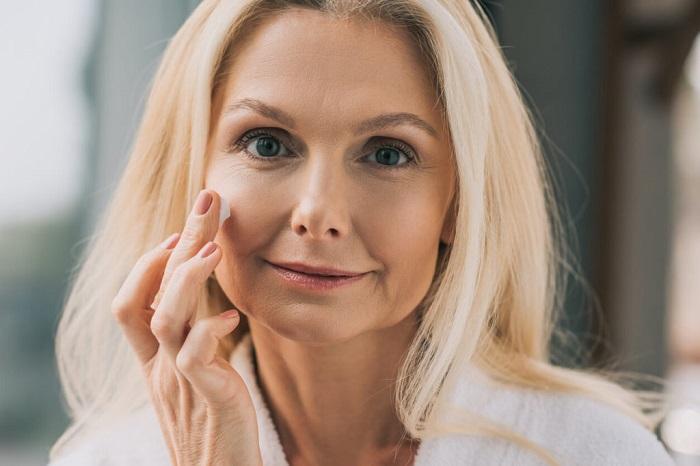 mature-woman-skincare