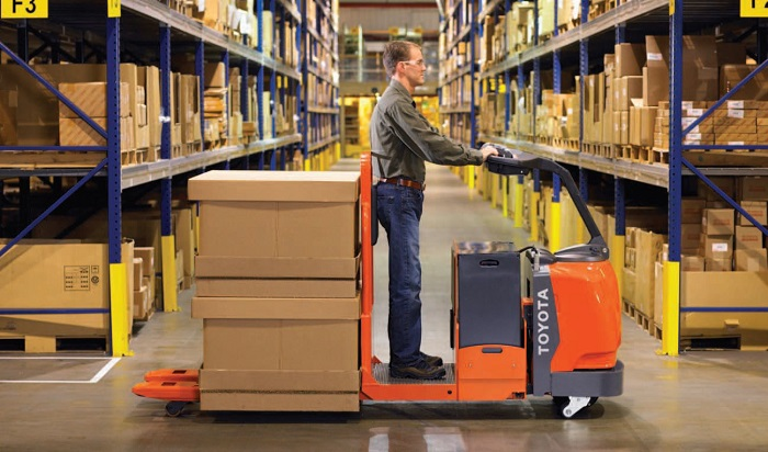 Operating Electric Pallet Trucks