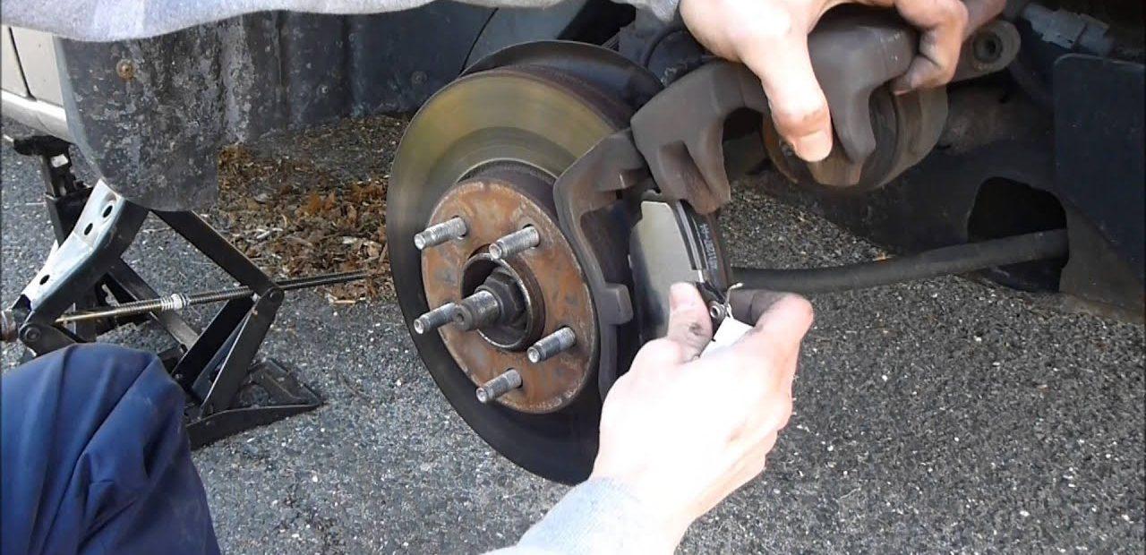toyota rear brake pads