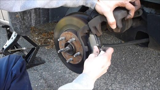 How to Choose the Right Brake Pads for Toyota?