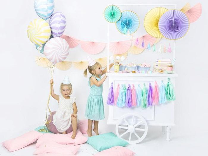 birthday-girls-in-dress