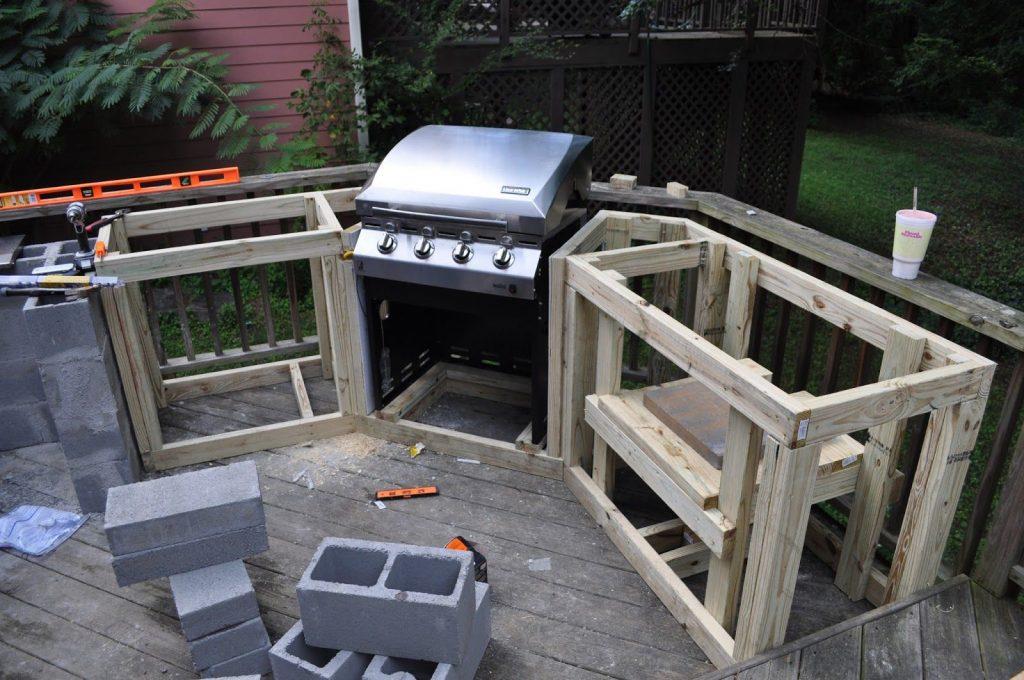Bulding outdoor kitchenjpg
